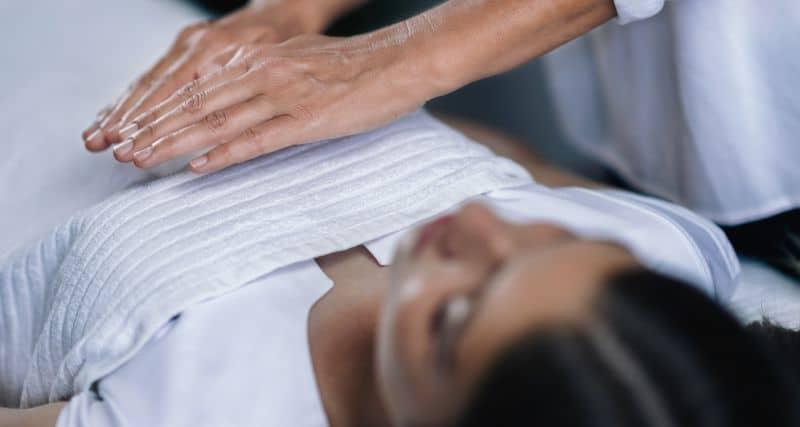 masajul la piept cum se face